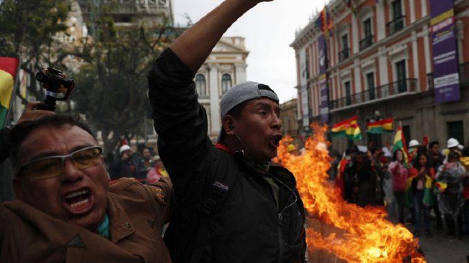Bolivia: entre el golpe y el pacto